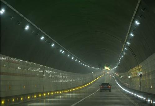 新疆天山一号隧道工程